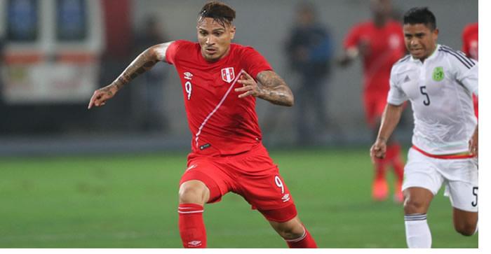 El doctor de la selección peruana, Julio Segura, informó que Paolo Guerrero jugará la Copa América pues su lesión no es de consideración, luego de que el delantero ayer se sintiera en la práctica del combinado nacional.