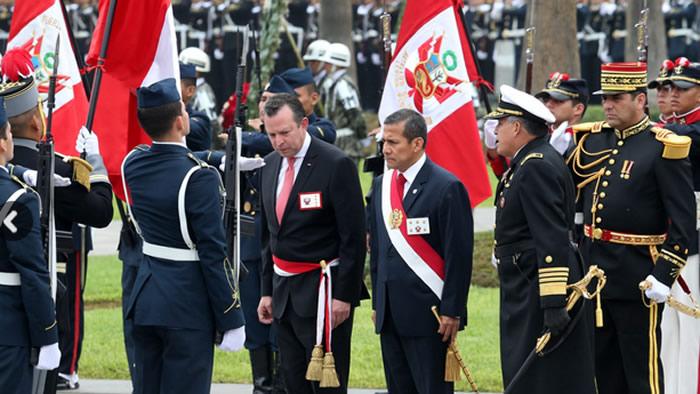 El presidente de la República Ollanta Humala Tasso participó esta mañana en la ceremonia por el 135° aniversario de la Batalla de Arica y la Renovación del Juramento de Fidelidad a la Bandera.