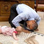 Barack Obama: foto con bebé se hace viral en Twitter y Facebook
