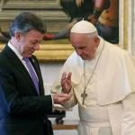 Papa Francisco ofreció a Santos ayudar en proceso de paz