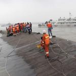 China: comienzan a perforar el casco del buque naufragado