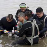 China: mayoría de náufragos oscila entre los 50 y 80 años