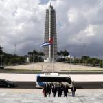 Cuba: senadores estadounidensesse reúnen con vicepresidente