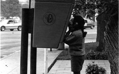 A siete días del 'apagón telefónico', el popular blog Arkiv publica en su último post curiosas imágenes sobre la evolución de los teléfonos públicos desde fines de los años 50 en Lima hasta inicios de los 90 cuando el servicio ofrecido por la entonces Compañía Peruana de Teléfonos se privatiza.