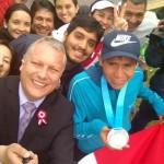 Desfile de Fiestas Patrias: Raúl Pacheco apareció con su medalla de plata