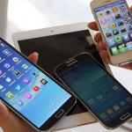"""Samsung mejora """"smartphones"""" y """"phablets"""" para competir con Apple"""