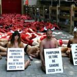 España: protesta nudista contra fiesta taurina de San Fermín (Fotos)