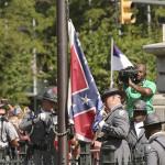 EEUU: retiran bandera confederada del Capitolio en Charleston