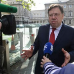 Irlanda: exprimer ministro pide perdón y culpa de crisis a los bancos