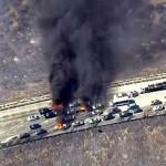 EEUU: incendio forestal destruyó a 12 vehículos en autopista (VIDEOS)