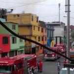 Bomberos controlan incendio en el Centro de Lima (Video)