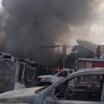 Incendio en Comas: controlan fuego en fábrica de pintura