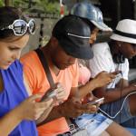 Cuba: nuevas conexiones WiFi causan furor entre jóvenes