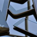Desmantelan compañía que producía iPhones falsos