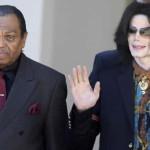 Padre de Michael Jackson es hospitalizado por derrame cerebral