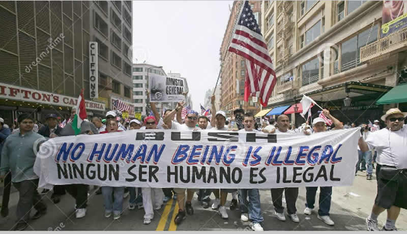 latinos-protesta800