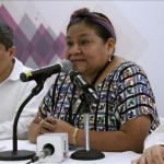 Rigoberta Menchú insta a Ecuador defender democracia