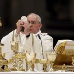 Papa Francisco oficia misa multitudinaria en Bolivia