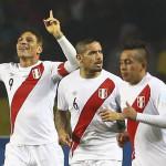 Paolo Guerrero alcanza a Eduardo Vargas como goleador