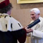 Benedicto XVI: encomia figura de su antecesor el Papa Juan Pablo II