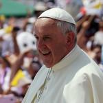 """Papa en Guayaquil: Francisco bromea con """"no cobrar la bendición"""""""