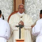 Papa Francisco pide respeto y diálogo para resolver conflictos en Oriente Medio