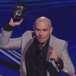 Pitbull le quiere mandar 'El Chapo' Guzmán a Donald Trump