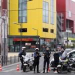 Francia: toman 18 rehenes en centro comercial (VIDEO)