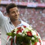Bayern Munich: cálido homenaje a Claudio Pizarro ante 70 mil almas