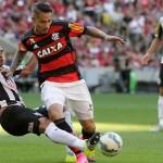 Paolo Guerrero jugó en empate del Flamengo con Santos 2-2