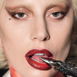 American Horror Story: Hotel y fotografías de Lady Gaga