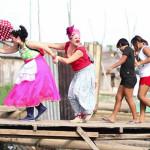Wendy Ramos y sus narices rojas animan el Festival de Belén