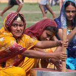 India: linchan a cinco mujeres acusadas de brujería