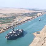 Egipto: 22 barcos estrenaron  nuevo tramo del canal de Suez