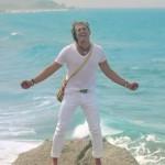 Carlos Vives convierte La tierra del olvido en homenaje a Colombia