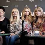 Chicas Bond juntas para celebrar 50 años de Operación trueno