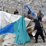El Agustino: Un policía muerto y dos heridos deja explosión en desalojo