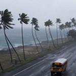 Erika baja de categoría de huracán a tormenta