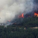 España: fuego arrasa más de 5.000 hectáreas y sigue activo