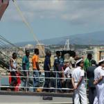 OIM: 323.000 inmigrantes y refugiados lograron cruzar el Mediterráneo