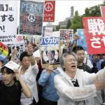 Japón: miles se manifiestan en Tokio contra militarización