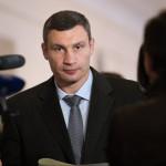 Kiev informa de primeros muertos en choques junto al Parlamento