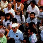 EEUU: hispanos que ni estudian ni trabajan caen a su mínimo histórico