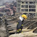China ordena evacuar a residentes próximos a explosión de Tianjin