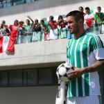Juan Vargas fue presentado como jugador de Real Betis
