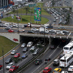Retiran vehículos no autorizados de corredor Javier Prado