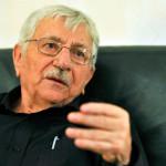Francia: piden cárcel para anciano que ayudó a suicidarse a su esposa