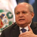 Pedro Cateriano reitera críticas a ley sobre AFP en Twitter