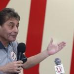 Universitario: Roberto Challe con nuevo contrato hasta el 2016