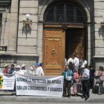 Guatemala: bloquean ingreso al Congreso que ve inmunidad de presidente